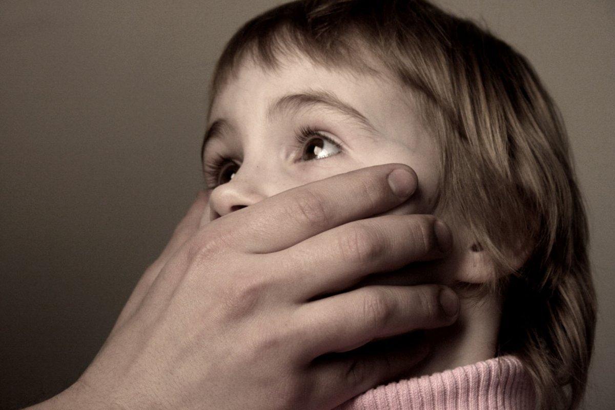 Порно Отец Насилует Малолетнюю Дочь