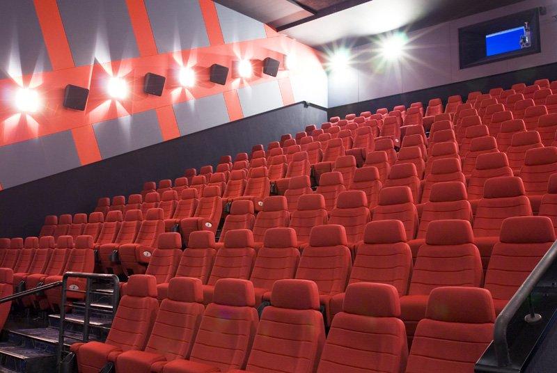Российским фильмам отдали 20% экранного времени