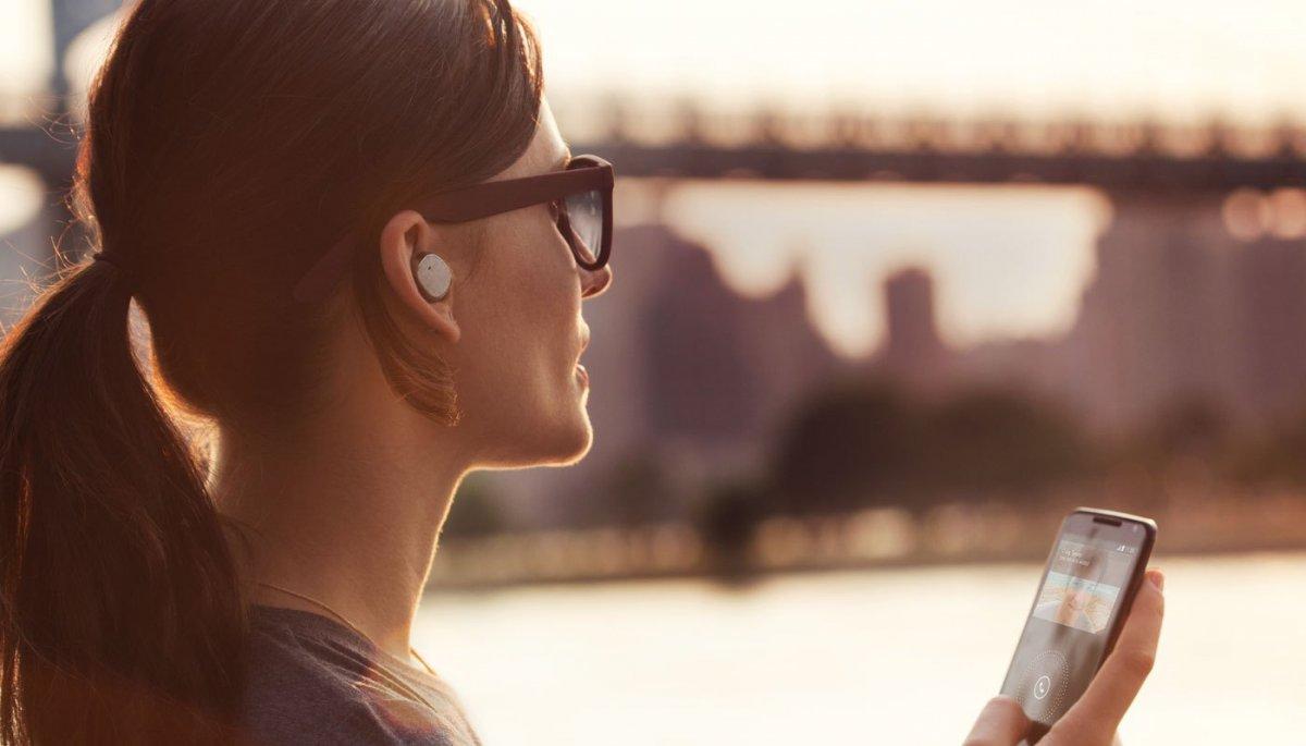 Apple работает над новыми беспроводными наушниками для iPhone 7