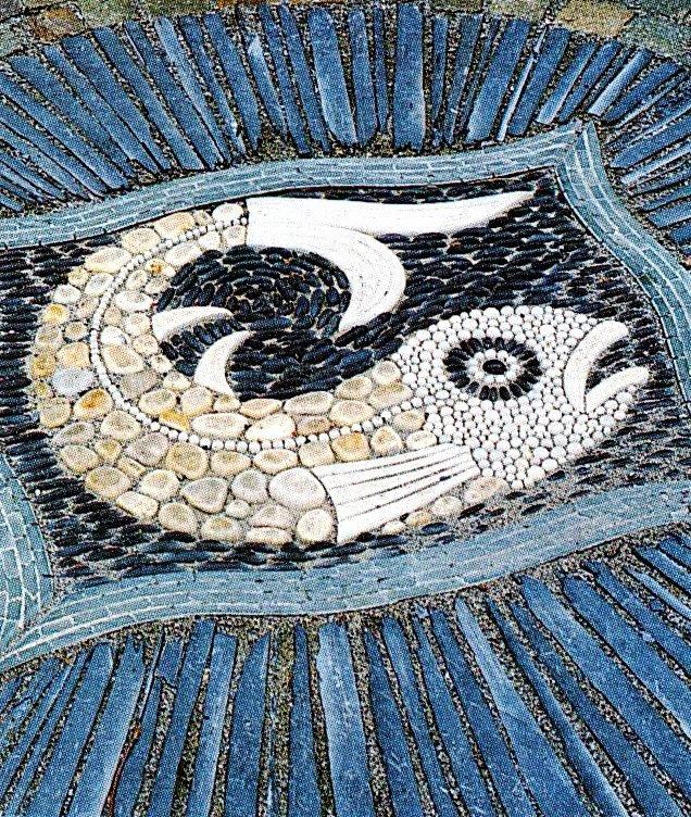 Мозаики из гальки