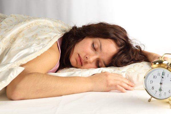 Ученые выяснили почему люди плохо спят на новом месте