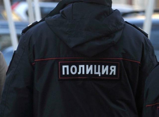 «Работник года»: вКирове полицейский подрабатывал настройке