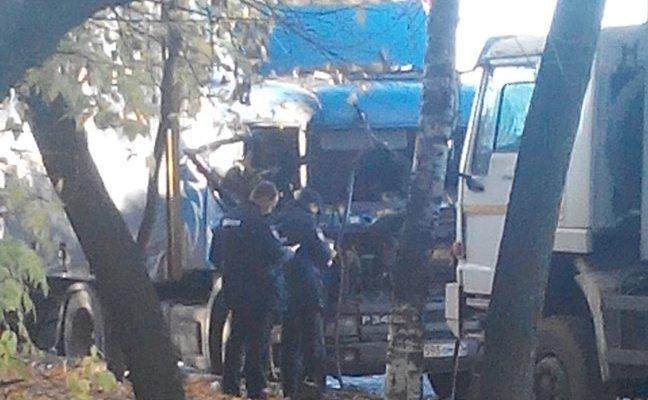 Наперекрестке Комсомольской иПопова у фургона «взорвалась» кабина