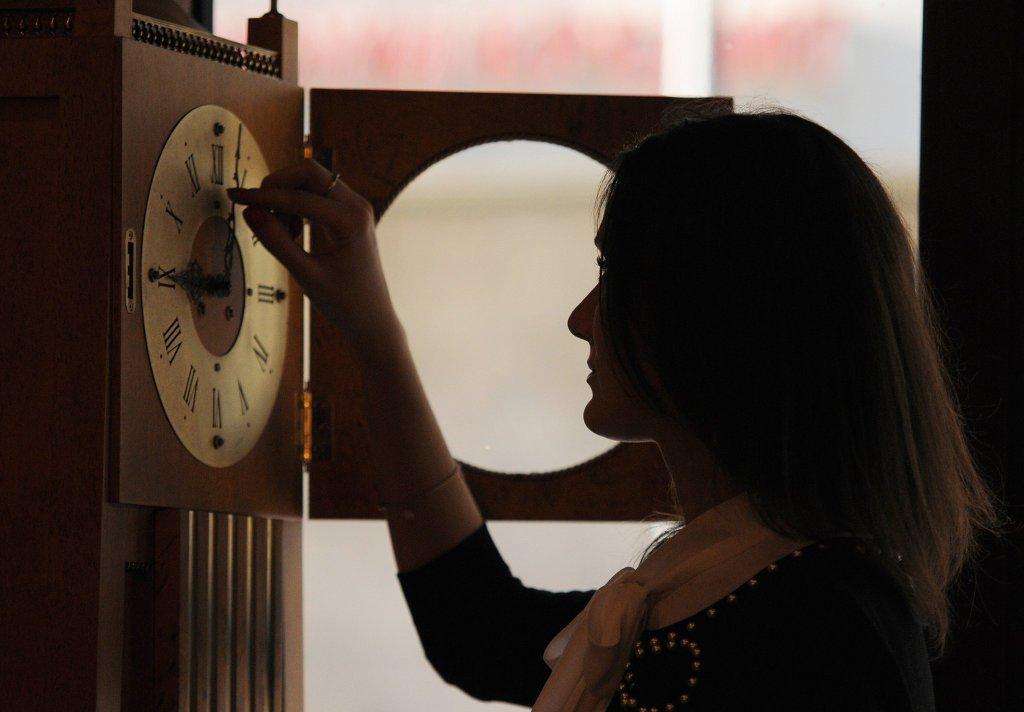 Граждане Кировской области подписывают петицию засохранение московского часового пояса