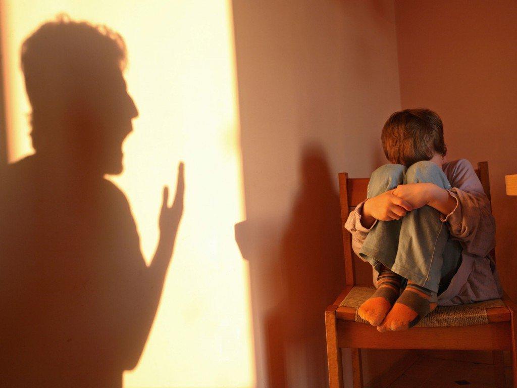 Приемная мать изОпаринского района систематически истязала детей