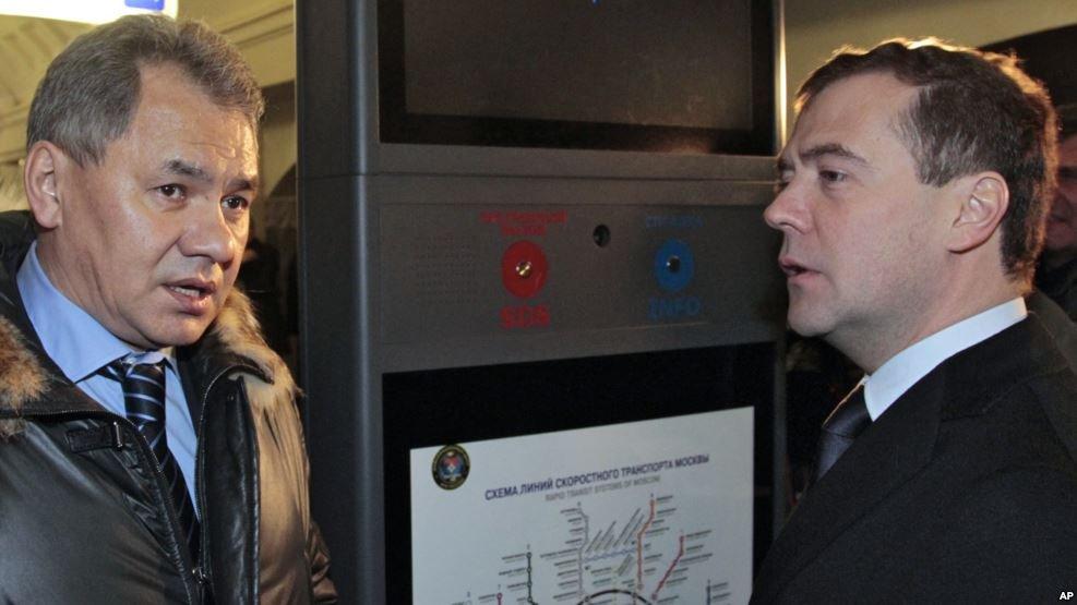 Шойгу иМедведев ознакомятся спроизводством ракет С-400