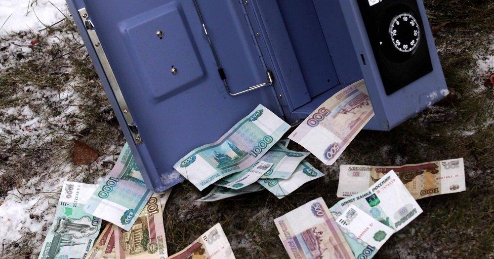 ВКирове изофиса украли сейф сденьгами