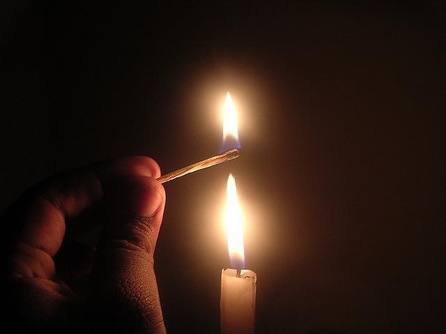 Кировчанка получила серьезные ожоги от свечки