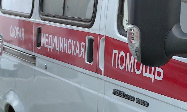 Мужчина сножом удерживал фельдшеров скорой помощи всвоей квартире вКирове