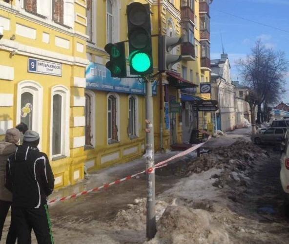 Всмерти женщины отглыбы снега виноватаУК Ленинского района