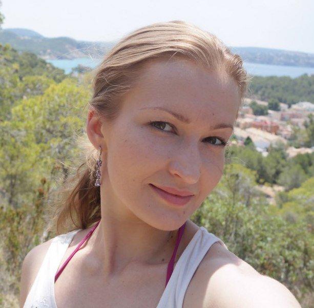 Следы крови обнаружили втакси, накотором уехала пропавшая Елена Лейниеце