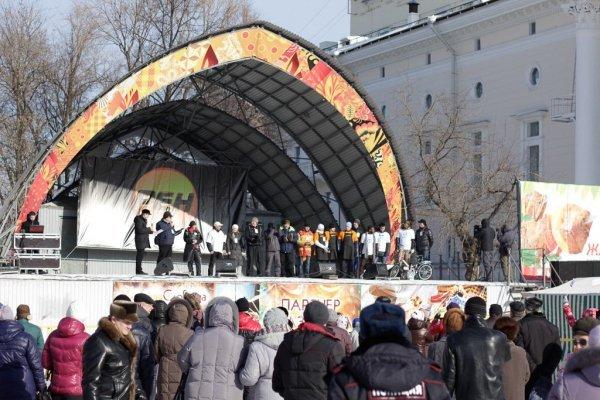Новейшую сцену наТеатральной площади установят косени