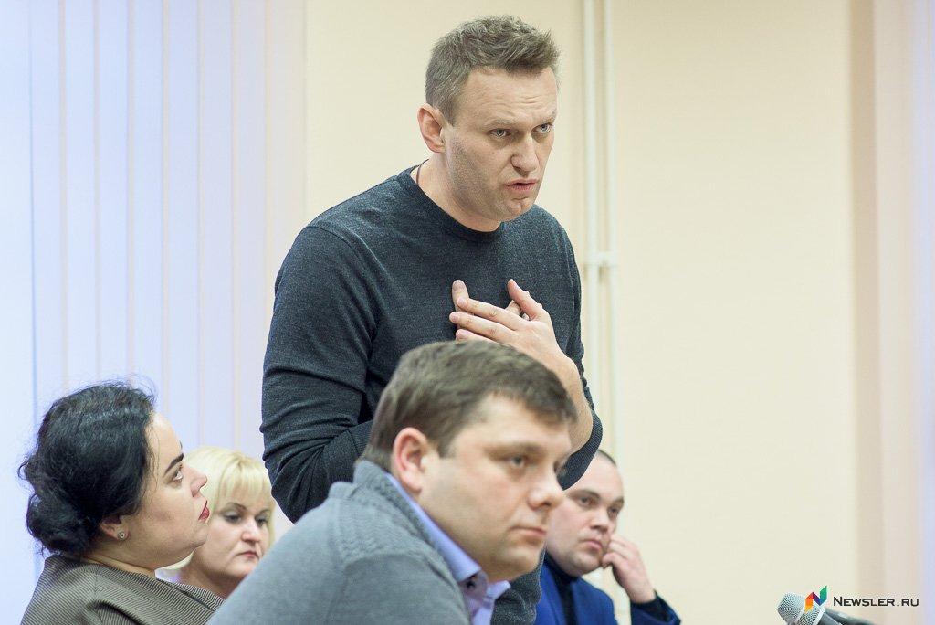 Судимый Навальный несобирается уходить из претендентов впрезиденты