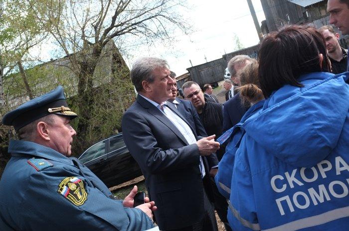 Игорь Васильев экстренно выехал вОрлов, где сегодня произошел интенсивный пожар