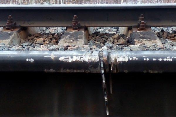 Повредивший рельсы вахтовик вУсинске возвращался пошпалам домой вКировскую область