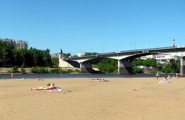 Нагородских пляжах костромичам разрешили только загорать— купаться воспрещено