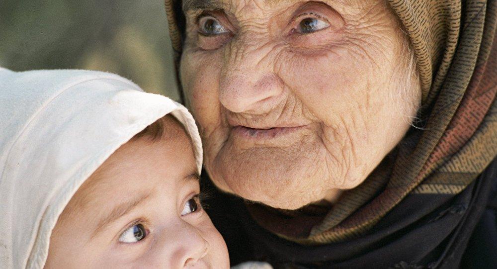 Ученые узнали, когда икак появились первые бабушки