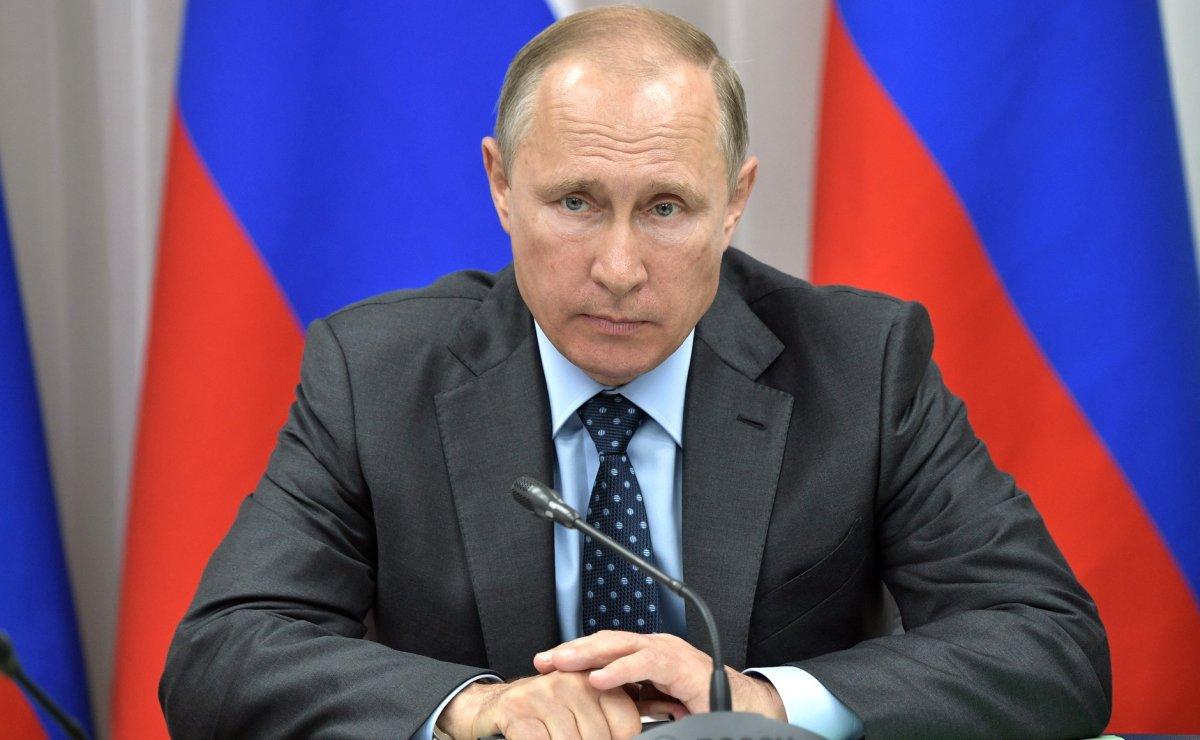 Полмиллиона подписей за двое суток: Путин на пике популярности