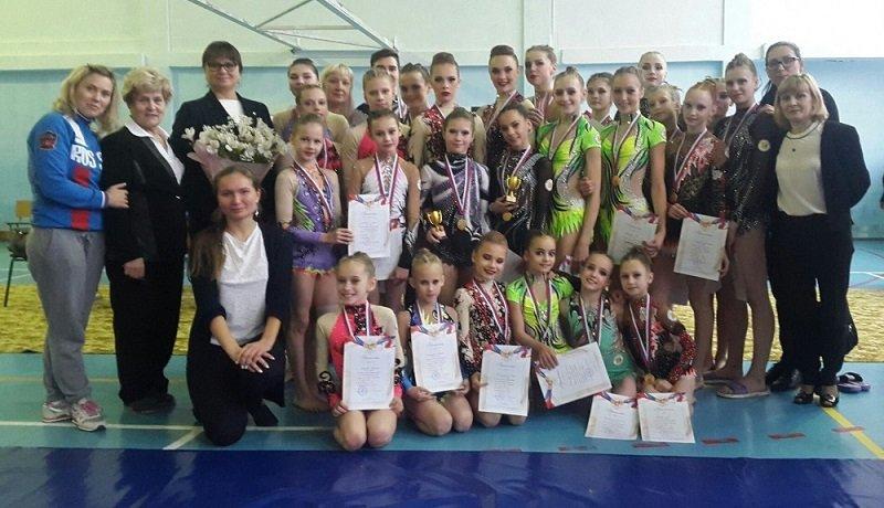 Кировские спортсмены взяли 5 золотых наград всероссийского турнира поакробатике