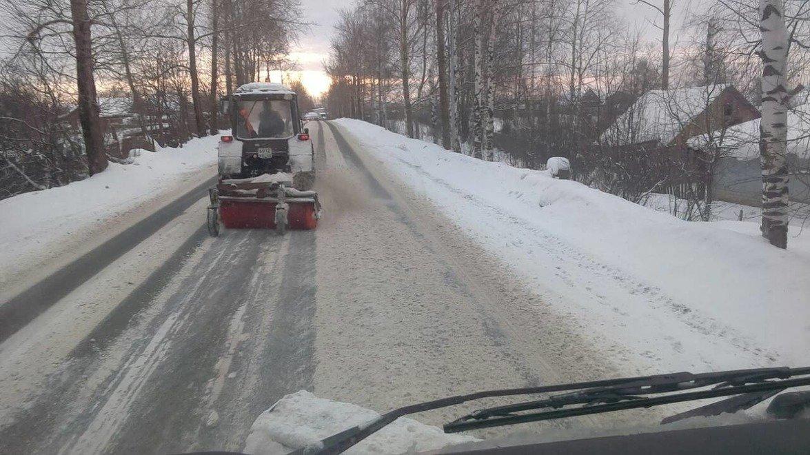 Снежный коллапс в Кирове: 75 машин не справились со снегом