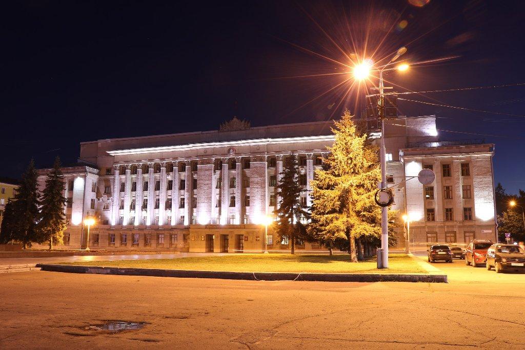 Взятку в кабинете Белых передавали, когда он был в Москве