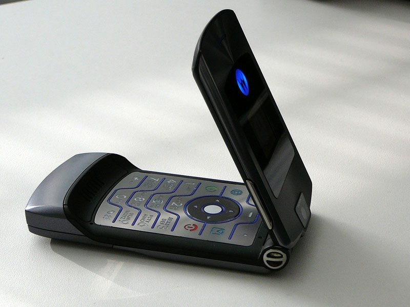 Motorola может возродить легендарную серию телефонов Razr