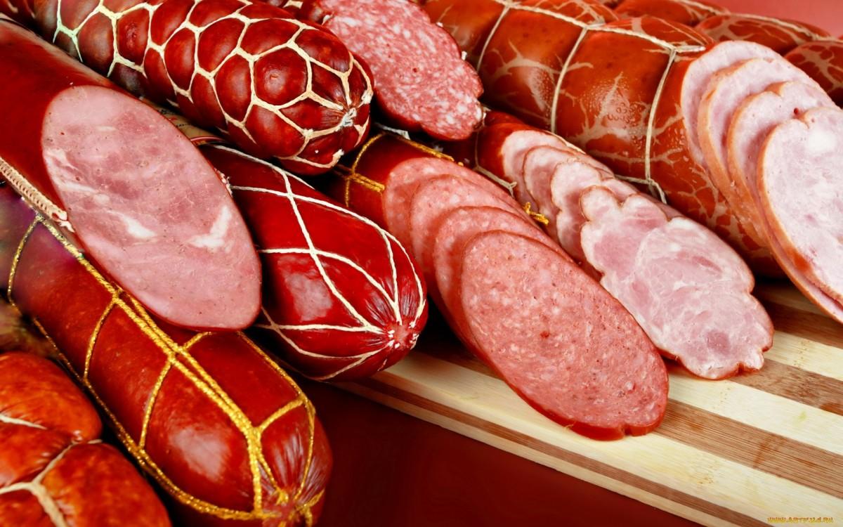 ВКирове мужчина похитил  колбасу на23 тысячи руб.