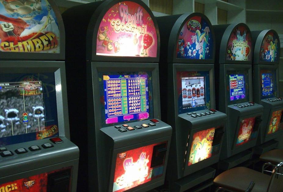 Игровые автоматы киров самый лучший онлайн покер