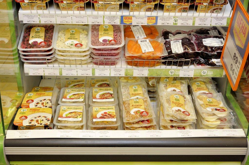 Аппетитная упаковка, мусор внутри: продукция «Натурбуфет» разочаровывает покупателей