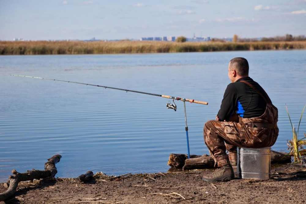 картинка мужчина на рыбалке получал поинтереснее