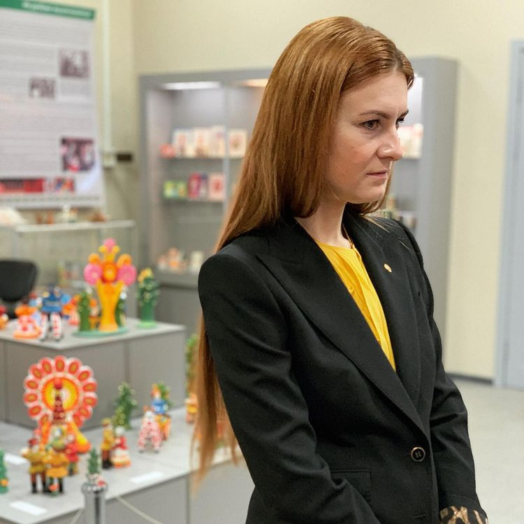 Мария Бутина привлекла внимание кировского реготделения КПРФ.